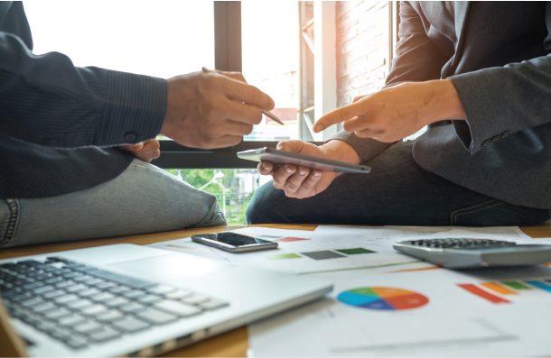 Using a financial adviser